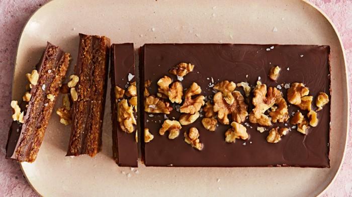 dark-chocolate-walnut-date-bar-103242202_horiz